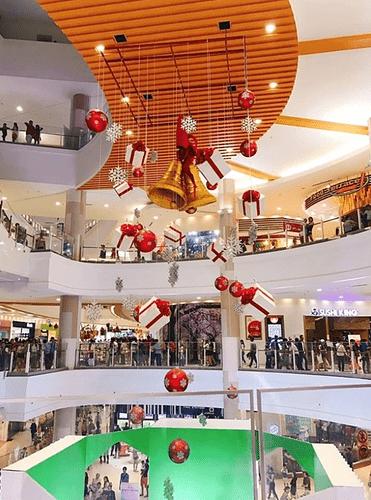bên trong Aeon Mall Tân Phú Celadon