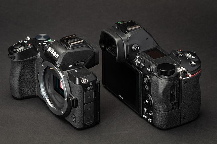 Máy ảnh Nikon không gương lật