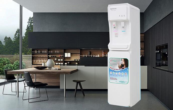 Nên mua máy nước nóng lạnh hay cây nóng lạnh