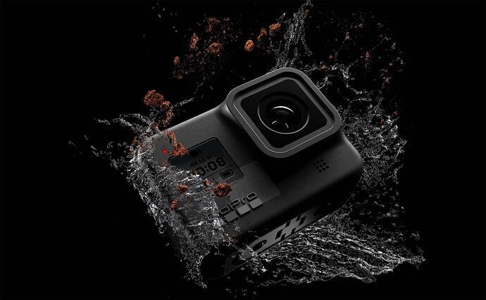 Camera-Gopro-nguoi-ban-dong-hanh-ly-tuong-tren-moi-neo-duong-3