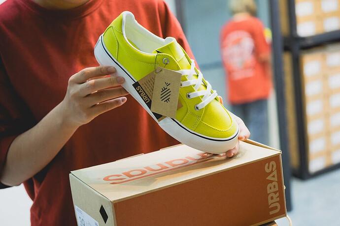 thương hiệu Ananas
