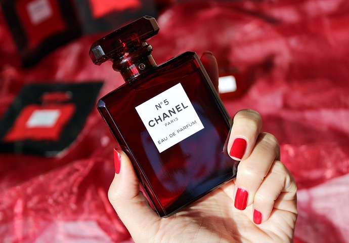 Chanel-No-5-EDP-Red-Edition-đỏ-2