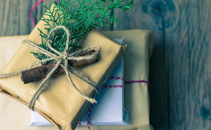 In hình lên gối theo yêu cầu làm quà tặng ý nghĩa cho người thương