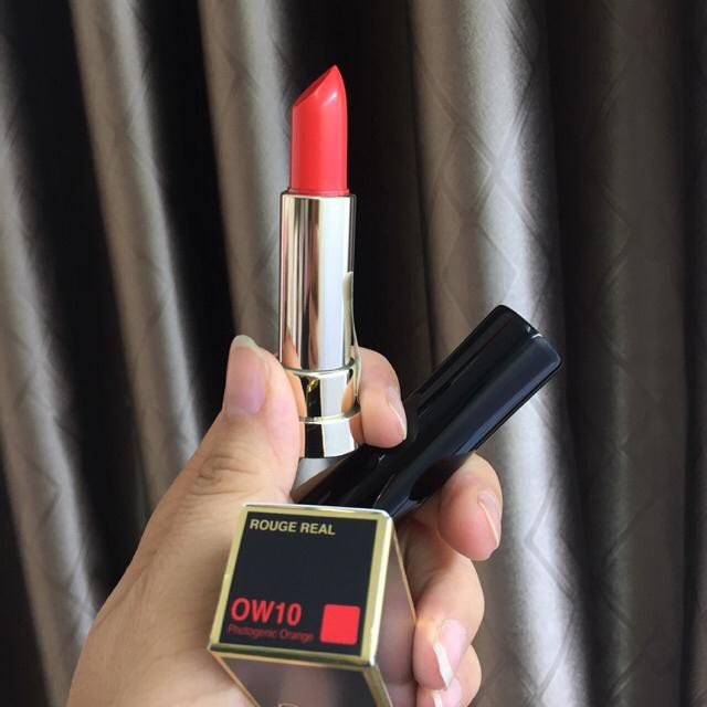 Review-ve-thoi-son-Ohui-RW10-Rouge-Real-Lipstick-mau-do-tuoi-7